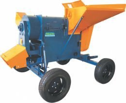 Máquina para bater/debulhar cereais de maior granulometria