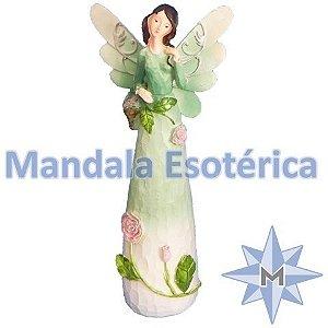 Anjo com vestido verde e flores