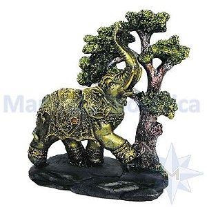 Elefante com arvore