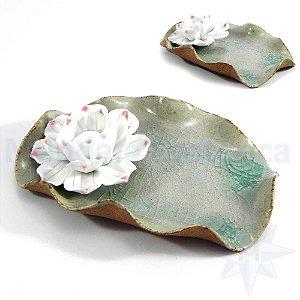 Incensário Porcelana Flor de Lótus Areia Craquele Verde Mini-régua