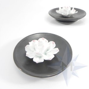 Incensário Prato Porcelana Flor de Lótus Chumbo