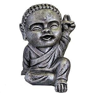 Monge Hindu com a mão para cima