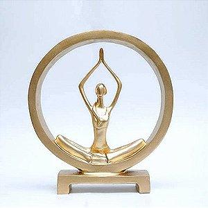 Estatueta Yoga no Arco