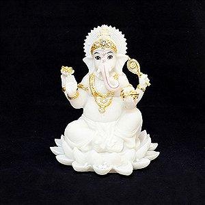 Ganesha Branca na Flor de Lótus