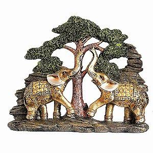 Casal de Elefantes na Árvore