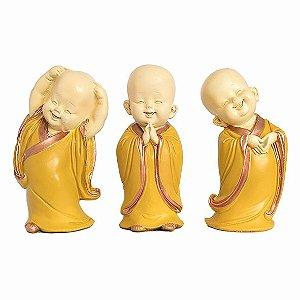 Trio de Monges Sorridentes