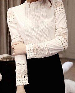 Blusa Branca de renda para trabalho - off white