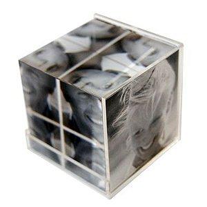 1 - Cubo de vidro com caixa