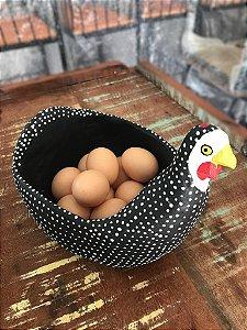 Galinha Porta Ovos Aberta em Madeira D'angola