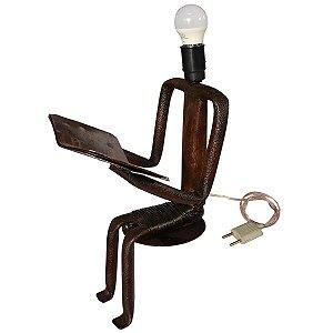 Escultura em Ferro Luminária Sentado