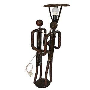 Escultura em Ferro Luminária Casal