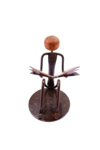 Escultura Leitor Sentado