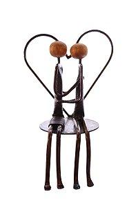 Escultura casal de apaixonados