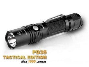 Lanterna Tática Fenix PD35 TAC Profissional Led Cree 1000 Lumens 2ª Geração - Versão Tactical Policial