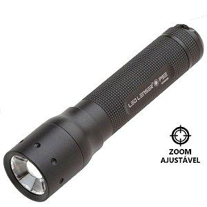 Lanterna Pequena LedLenser P5E Simplificada  25 Lumens 1 Modo com Ajuste de Foco Zoom