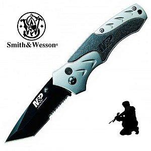Canivete Tático Militar Smith & Wesson SWMP7TSCP Abertura Simplificada Lâmina Lisa e Serrilhada e Bloqueio por Botão