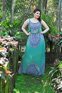 vestido longo com alça e fendas nas laterais.