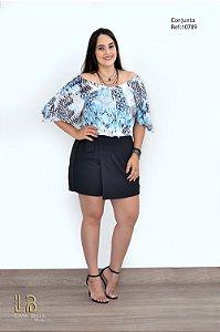 Conjunto short saia em crepe itália liso e blusa ciganinha em crepe sublimado.