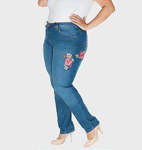 Calça Jeans Plus Size Skinny com Bordado