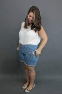 Shorts Jeans Bordado Plus Size