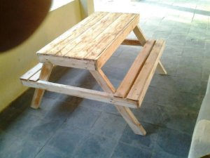 Mesa de pic nic infantil