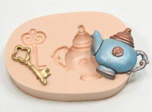 269 - Bule e chave da Alice