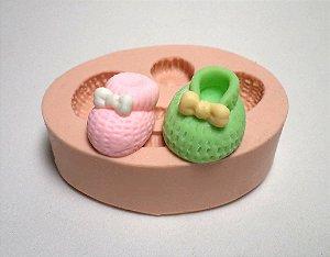 086 - 2 sapatinhos de bebê