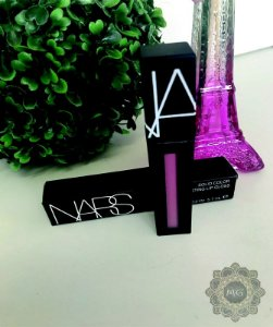 Batom Nars Lip Gloss *Save The Queen