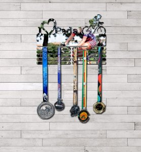 """Porta Medalhas """"I Love Pedal"""" Feminino"""