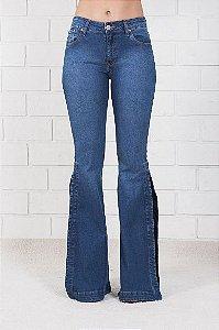 Calça Jeans Maxi Flare Fenda Escura