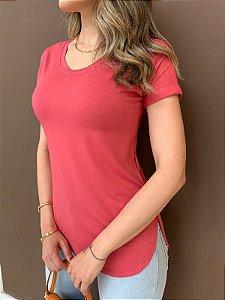 T-shirt Alongada Mariele Goiaba