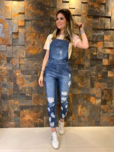 Jardineira Jeans Destroyed Cintia
