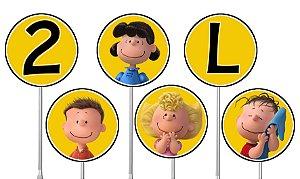 Embalagem com 40 toppers para docinhos Snoopy e Charlie Brown