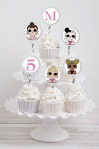 Embalagem com 20 toppers para cupcake Lol