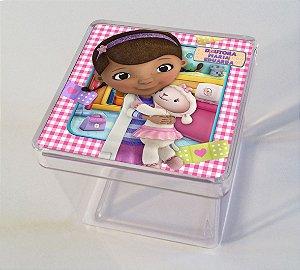 Adesivo caixinha acrílica 5x5cm Doutora Brinquedos