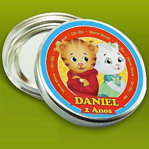 Embalagem com 20 adesivos Daniel Tigre