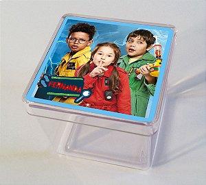 Adesivo caixinha acrílica 5x5cm D.P.A, Detetives do Prédio Azul