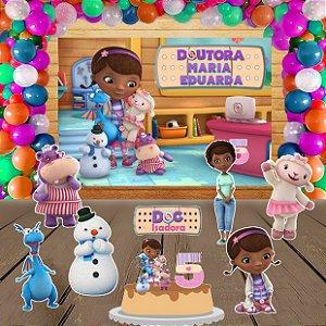Kit convite, painel, totens e topo bolo Doutora Brinquedos