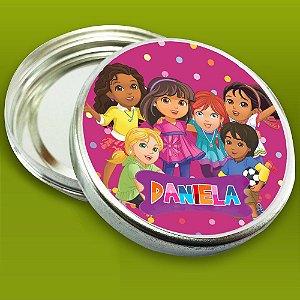 Embalagem com 20 adesivos Dora e Seus Amigos na Cidade