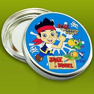 Latinha de aluminio 7 cm personalizada Jake e os Piratas Terra do Nunca menino