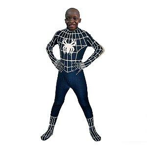Montagem com a roupa do Homem Aranha