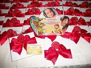 Convite envelope flor com laço, pirulito e cartão