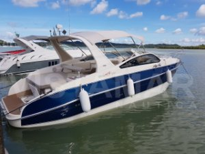 Lancha Real 32 Parelha Mercruiser 220hp  Diesel