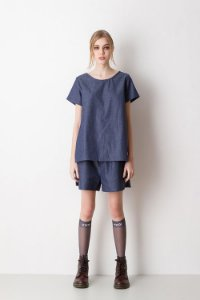 T-Shirt Jeans com Abertura Lateral