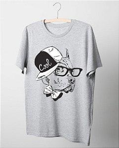 Camiseta Pitbull - Cachorro de Boné e Óculos