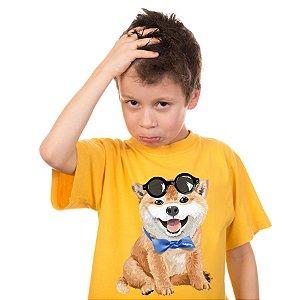 Camiseta Infantil Akita Filhote de Óculos e Gravatinha