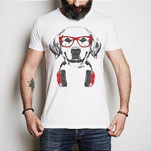 Camiseta Golden Retriever de Óculos e Fone de Ouvidos