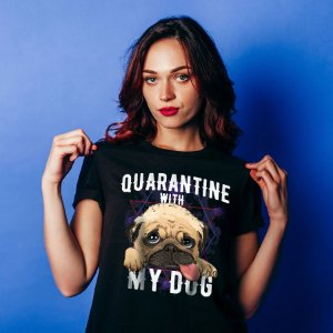 Camiseta Baby Look Quarantine With My Dog