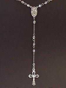 Cordão terço em prata com cristais Swarovski