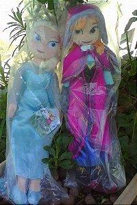 Bonecas Elsa ou Anna em Pelúcia - Pronta entrega!